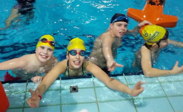 Los nadadores de Salvour durante unos de sus entrenamientos (Foto: Salvour)