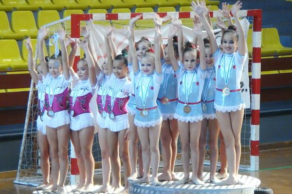 Triunfo en benxamín e cadete para o Ximnasia Pavillón no gallego base de conxuntos