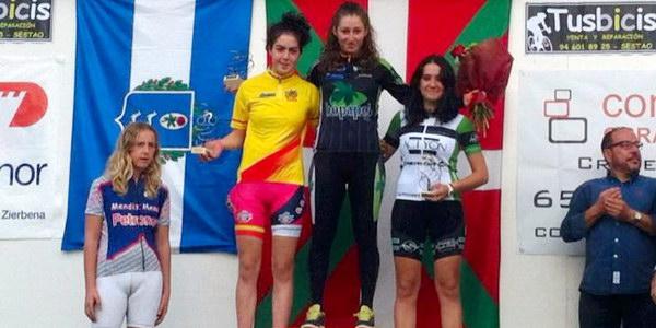 Xiana Conde en el podio junior del ciclocross de Muskiz