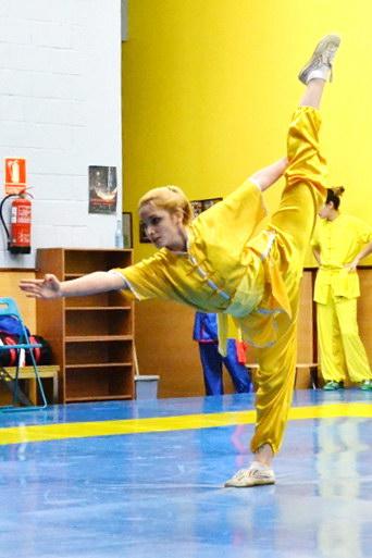 Sara Alvarez realizando equilibrio (Foto: Artai)