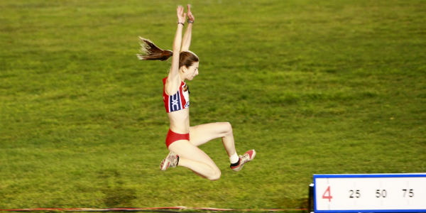 Leticia Gil oro absoluto y record gallego de salto de longitud