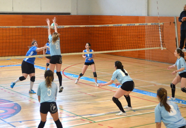 Concepción Arenal (Burgas Voleibol) vence a CV Pontevedra y asegura la segunda plaza