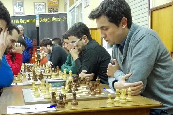 Xadrez Ourense frena ao líder, e mantén intactas as súas opcións na División de honra