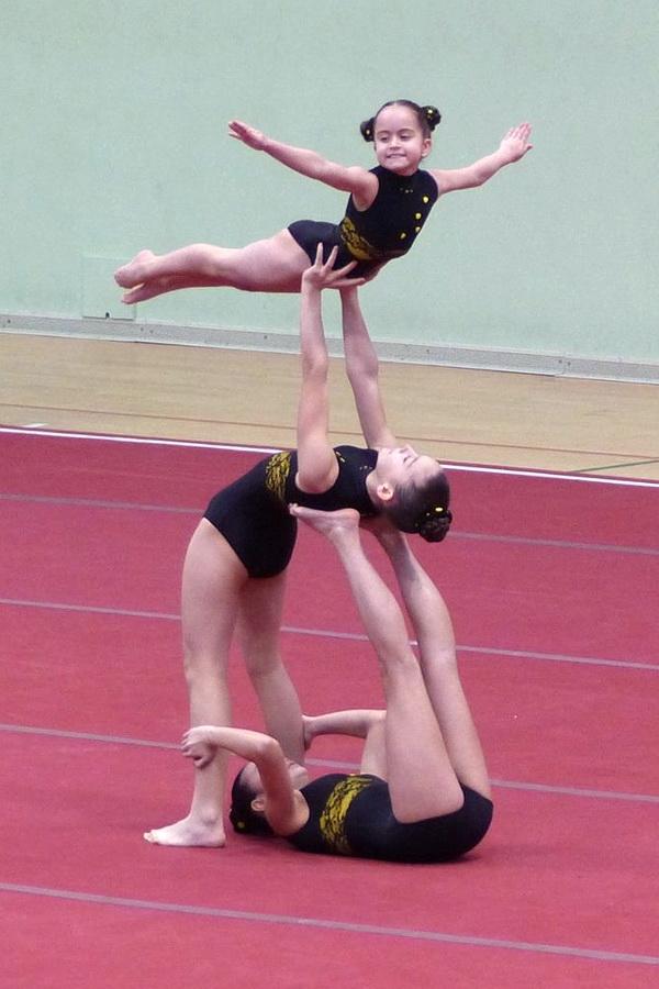 Analía Blanco, Elena Iglesias y Sara Mei Barroso del Club Burgas de gimnasia