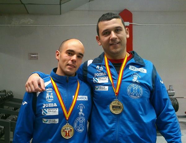 Borrajo y Losada con la medalla que los acredita como campeones de España