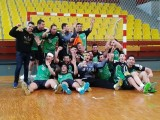 Jugadores y técnicos del Pabellón celebran el éxito copero
