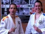 Felipe y Tamara luciendo sus medallas