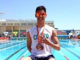Aitor Grande presume de medallas al finalizar el campeonato
