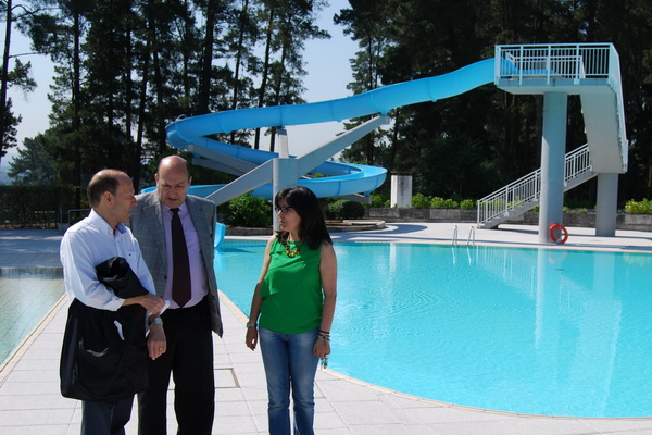 As piscinas de monterrei abren a tempada sen subida de for Piscinas en ourense