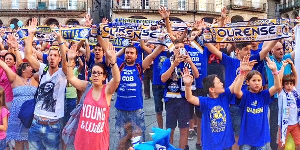 La Plaza Mayor de Ourense se llenó para reclamar la presencia de  Club Ourense Baloncesto en la Liga ACB.