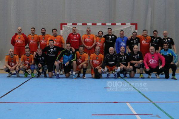 """Homenaxe no Torneo Internacional Veteranos """"Cidade de Ourense"""" ao Club """"Balonmano Pabellón"""" 86-87"""
