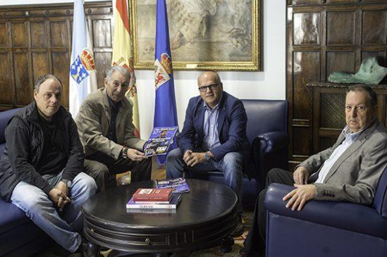 """A peña """"Miguel Ángel"""" recibida no Pazo Provincial"""