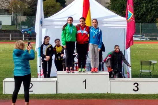Sara Lia Ochogavias y Benito Gómez medallas ourensanas en el gallego de 5000 y 10000