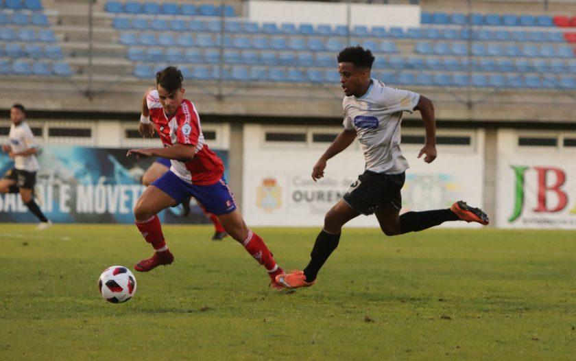 Fútbol: Ourense C.F. - C.D. Barco