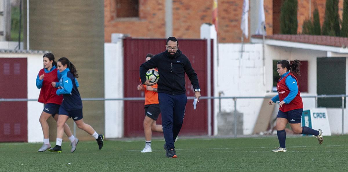EFF Rosalia entrenador